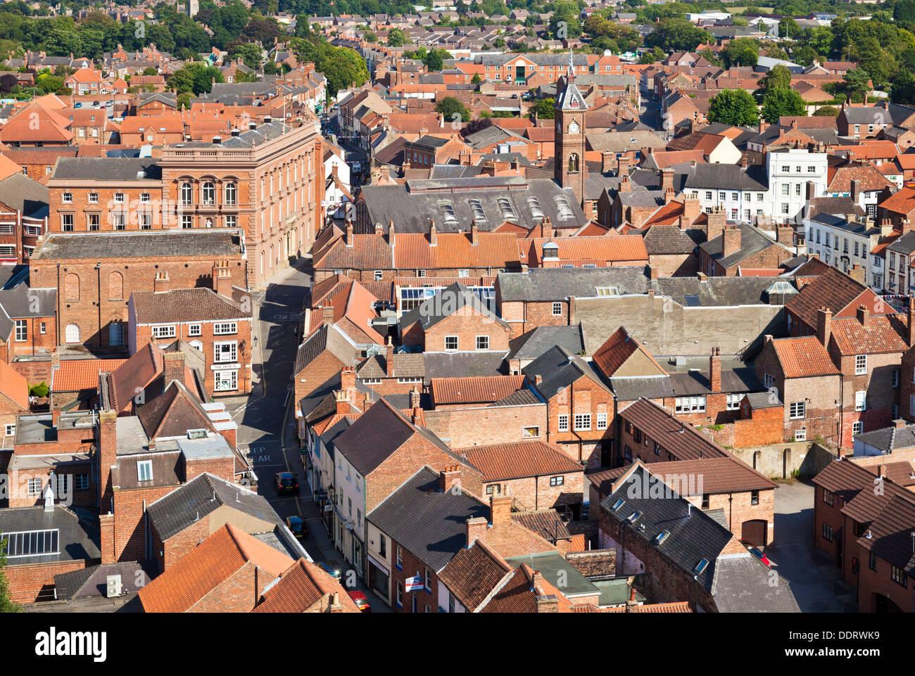 Vista aérea de las calles y casas de la pequeña localidad de Louth Lincolnshire Inglaterra GB Europa UE Imagen De Stock
