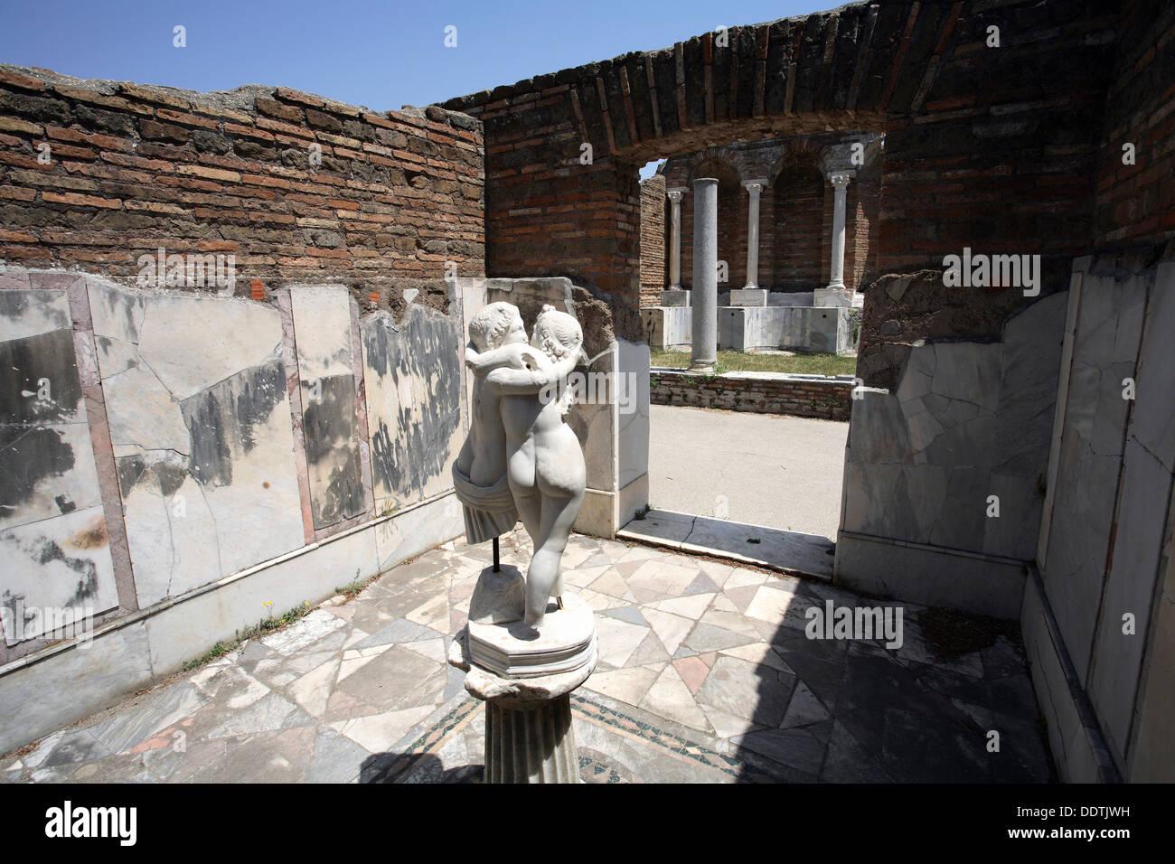 La casa de Amor y Psique, Ostia Antica, Italia. Artista: Samuel Magal Imagen De Stock