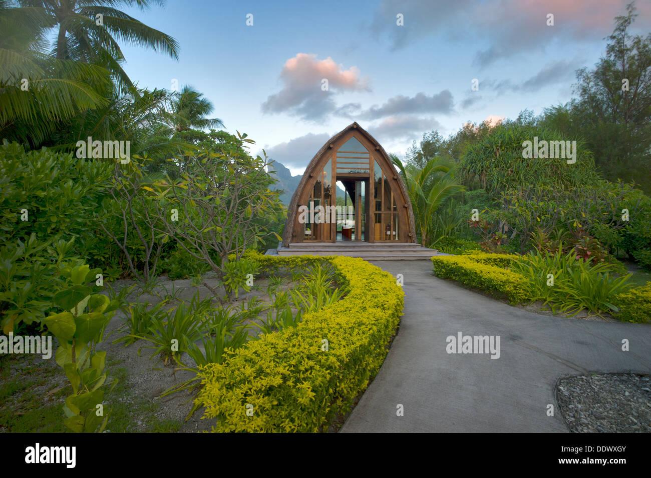 Capilla en el Four Seasons Hotel. Bora Bora. La Polinesia Francesa Foto de stock