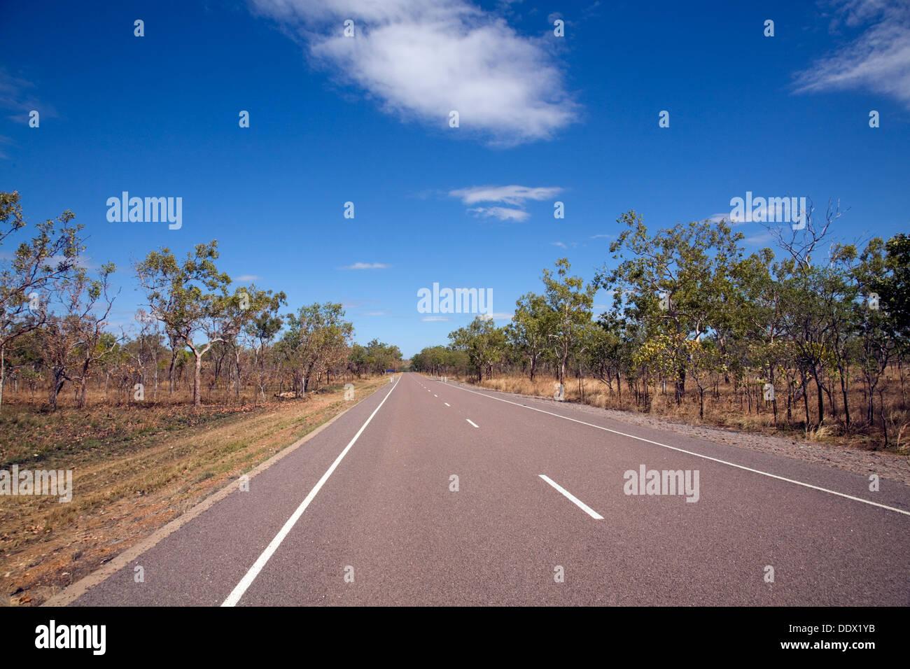 El camino abierto, en el territorio del norte, Australia Foto de stock