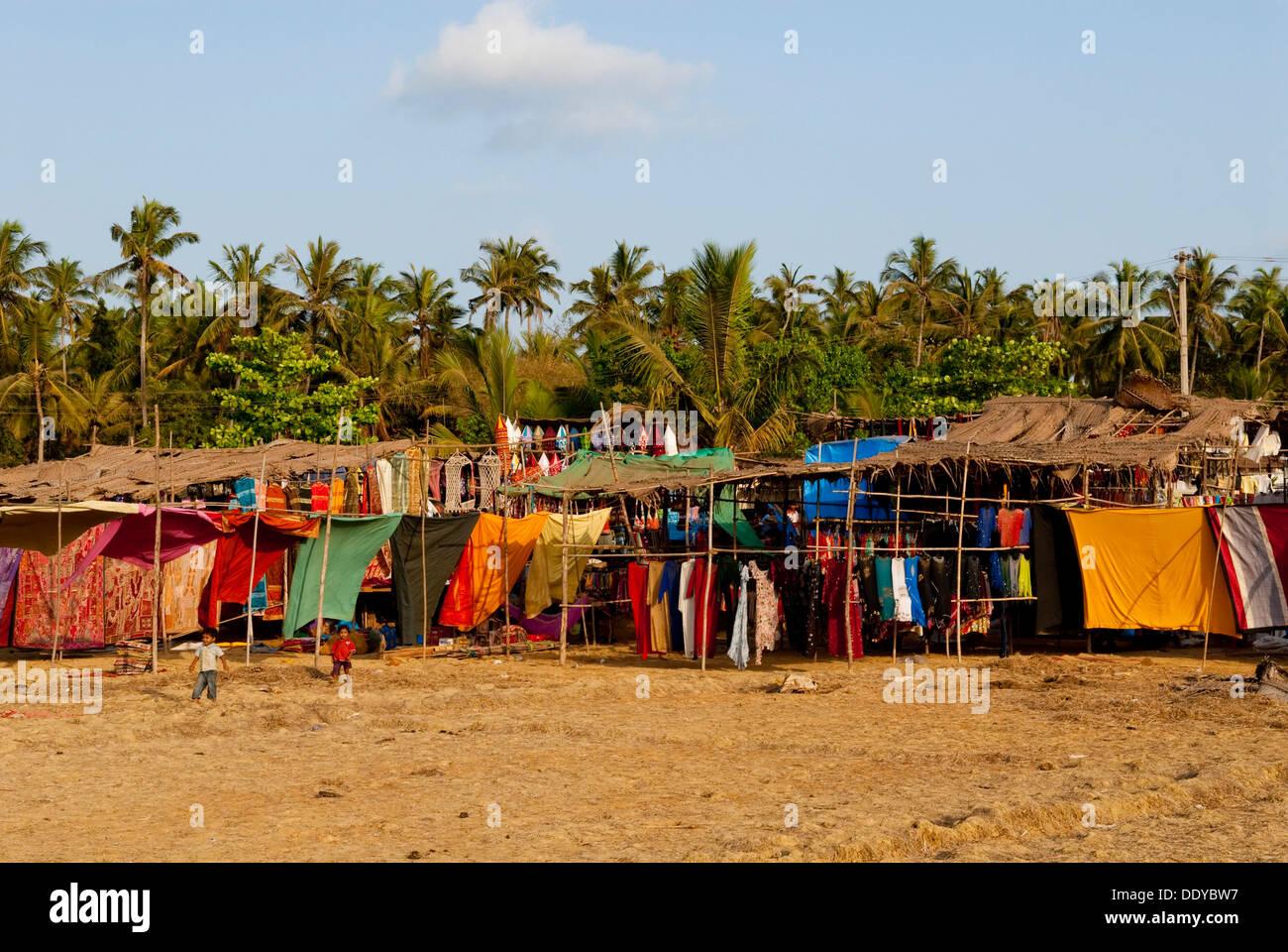 dfa507088010 Anjuna Beach Market Imágenes De Stock   Anjuna Beach Market Fotos De ...