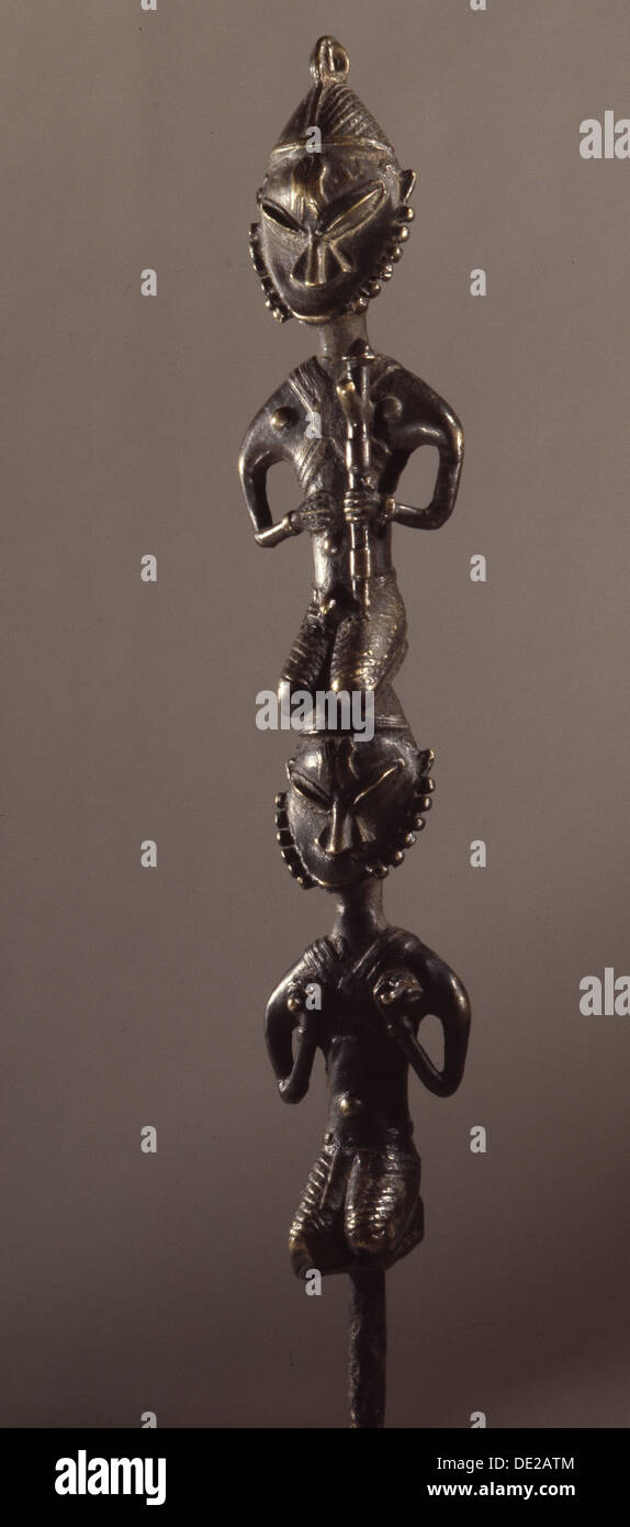 """Personal de latón, conocidas como """"Edan ogboni' que sirvió como insignia de los altos hombres y mujeres de la sociedad Ogboni. Imagen De Stock"""