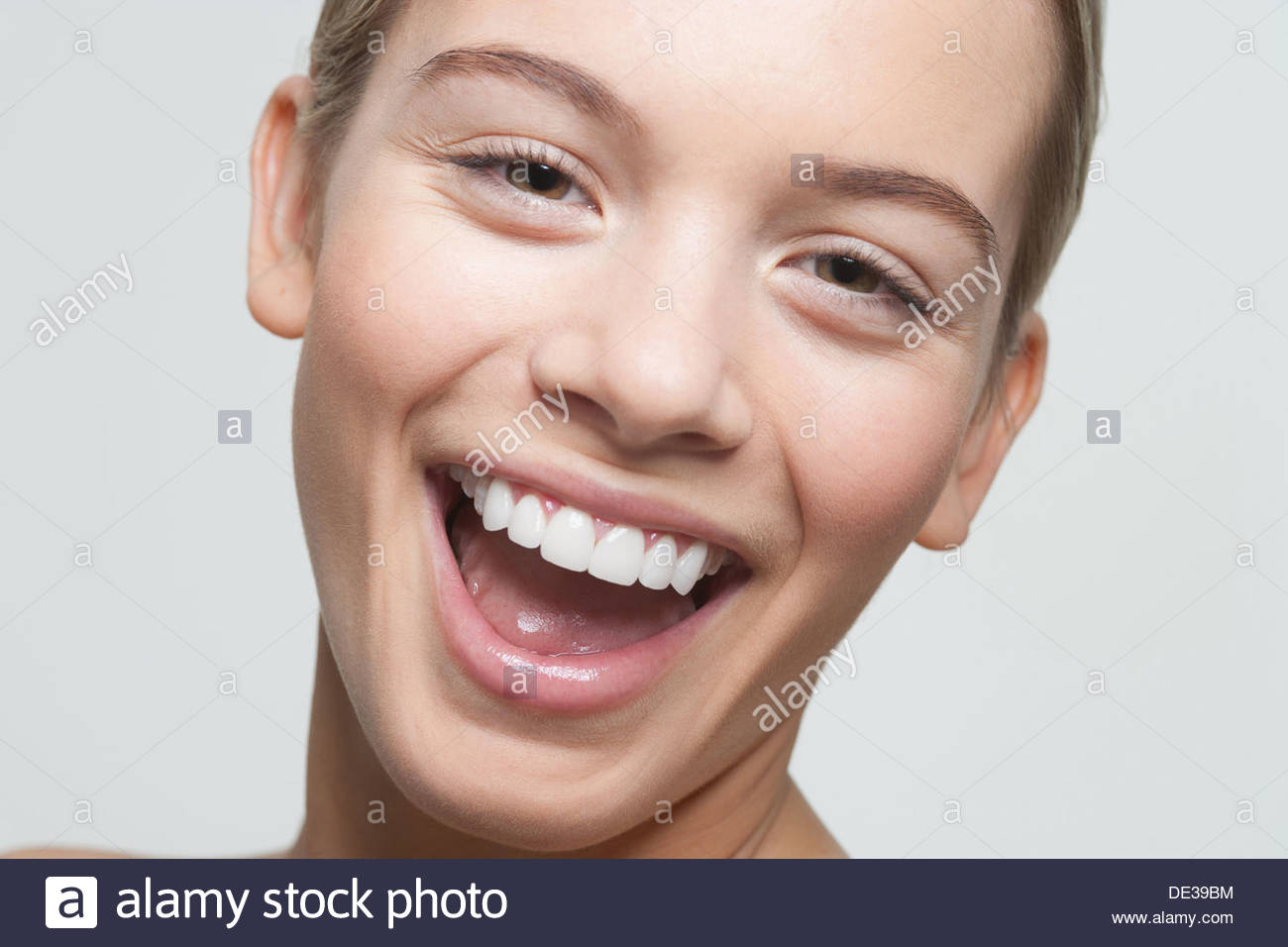Close Up retrato de mujer riendo Imagen De Stock