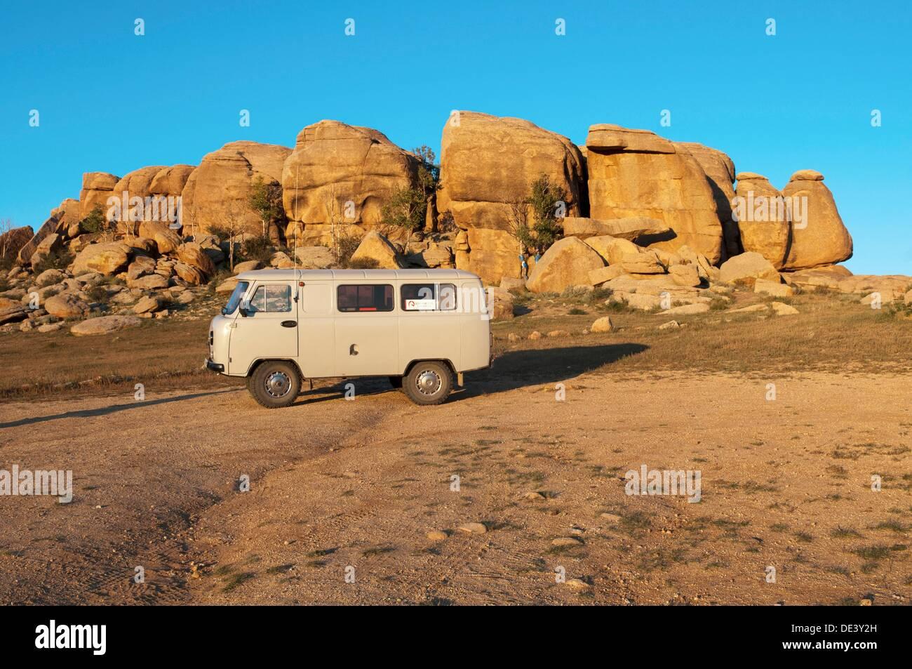 Federación de Furgon camioneta en el desierto de Gobi de Mongolia Foto de stock