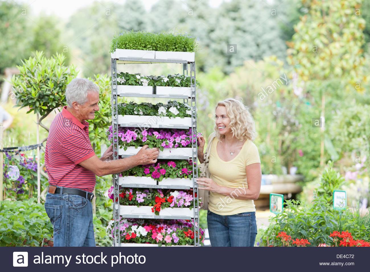 Par de tiendas de flores en vivero Imagen De Stock