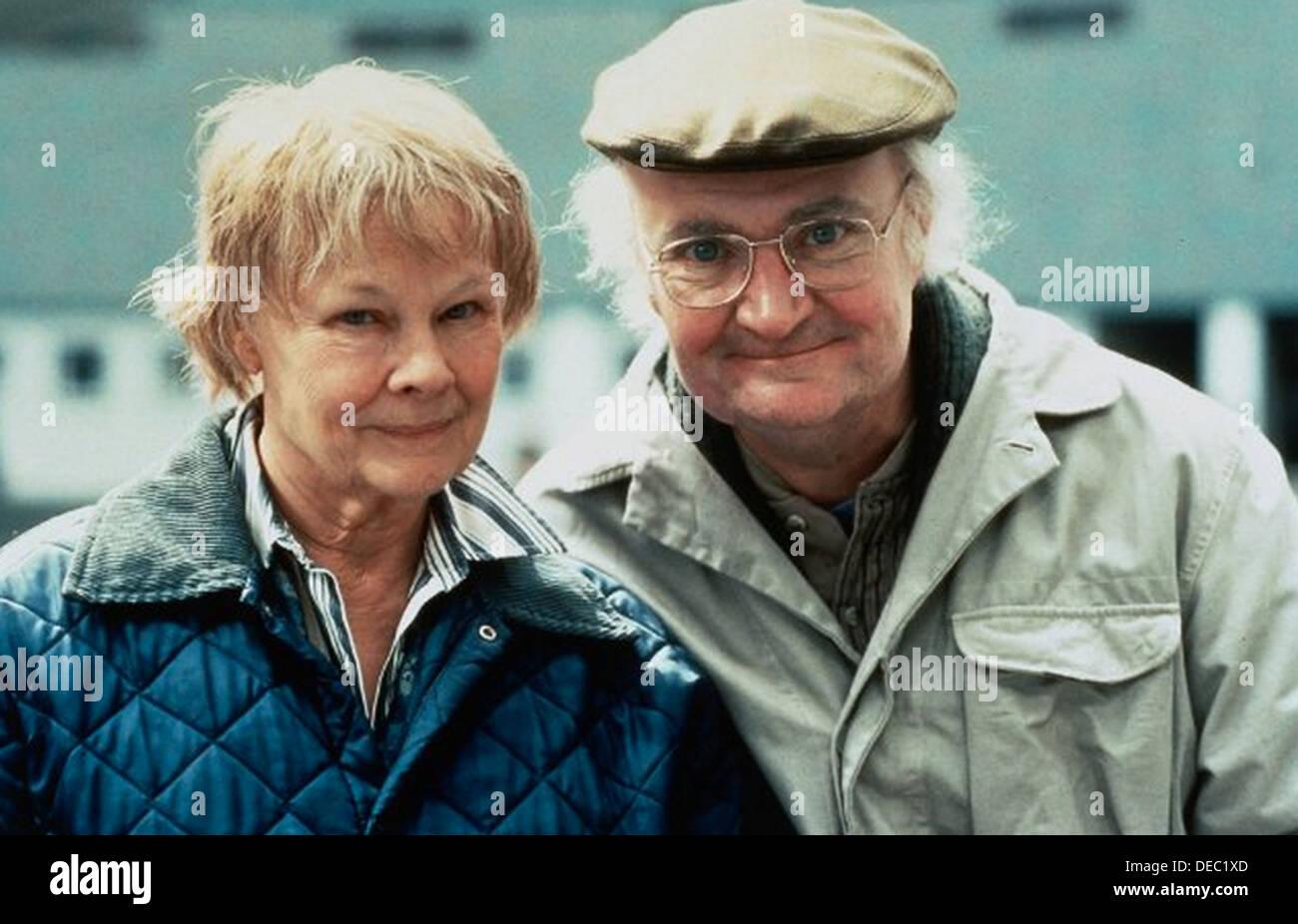 IRIS 2001 Touchstone Pictures Film con Judi Dench y Jim Broadbent Foto de stock