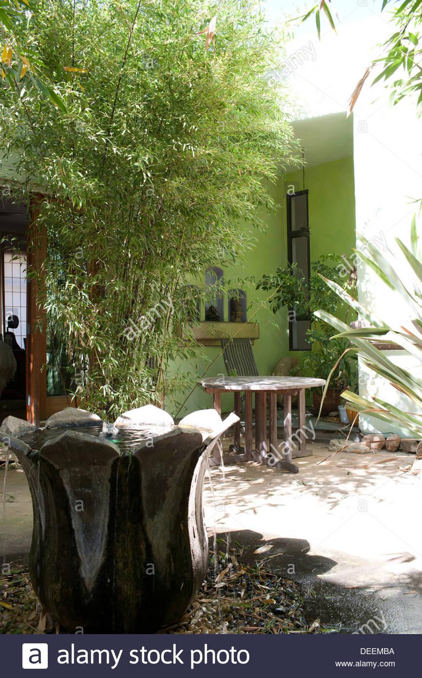 Patio con bambú Imagen De Stock