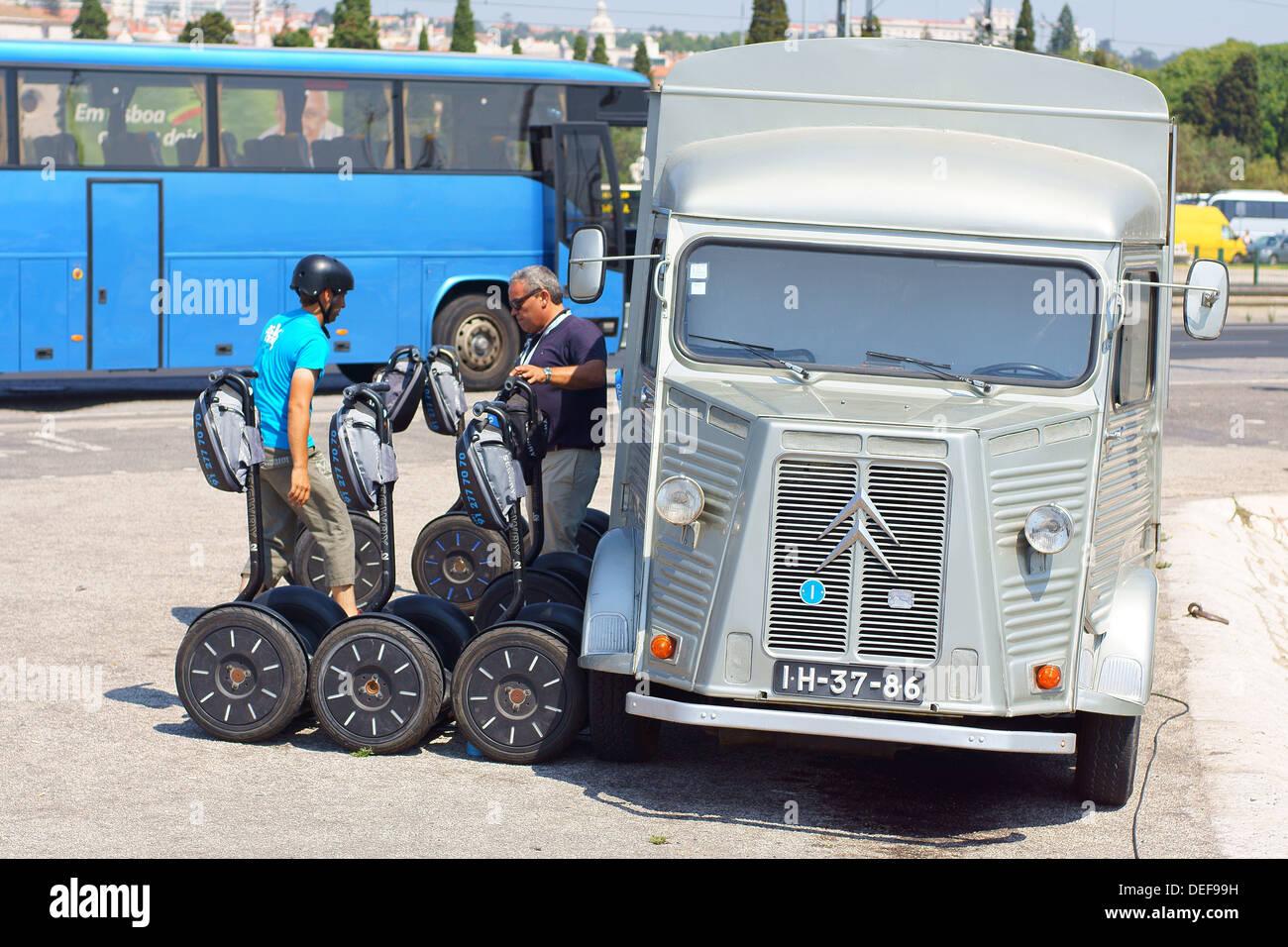 Viejo Citroen HY van Lisboa Portugal Foto de stock