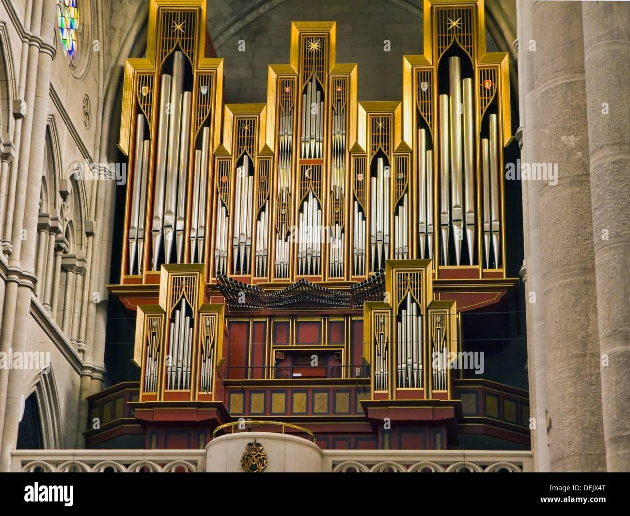 Órgano en la catedral de La Almudena de Madrid España Imagen De Stock