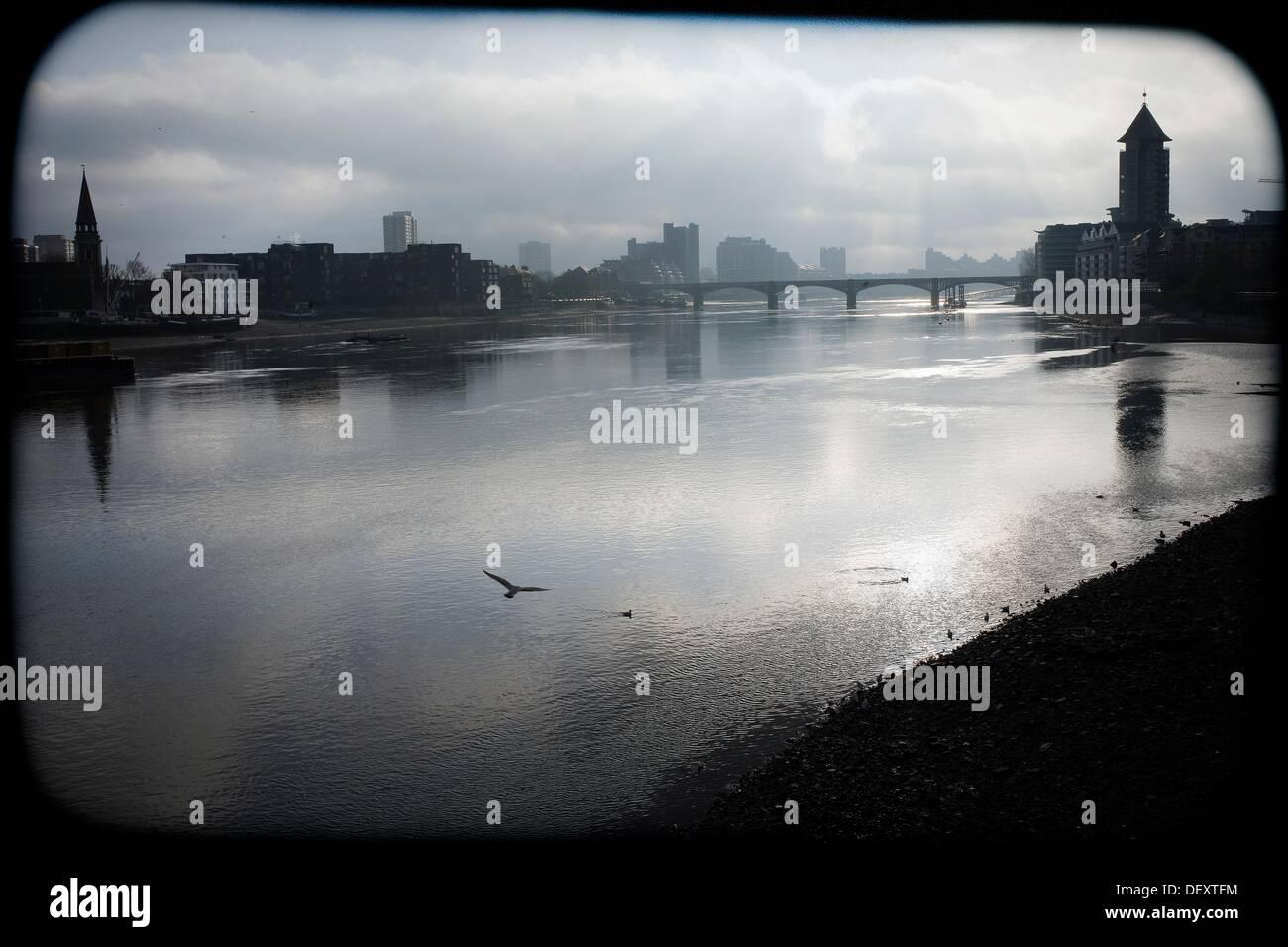 Silueta de Londres, vista del Rio Tamesis, Inglaterra, Reino Unido, perfil de Londres, el Río Támesis, Inglaterra, Foto de stock