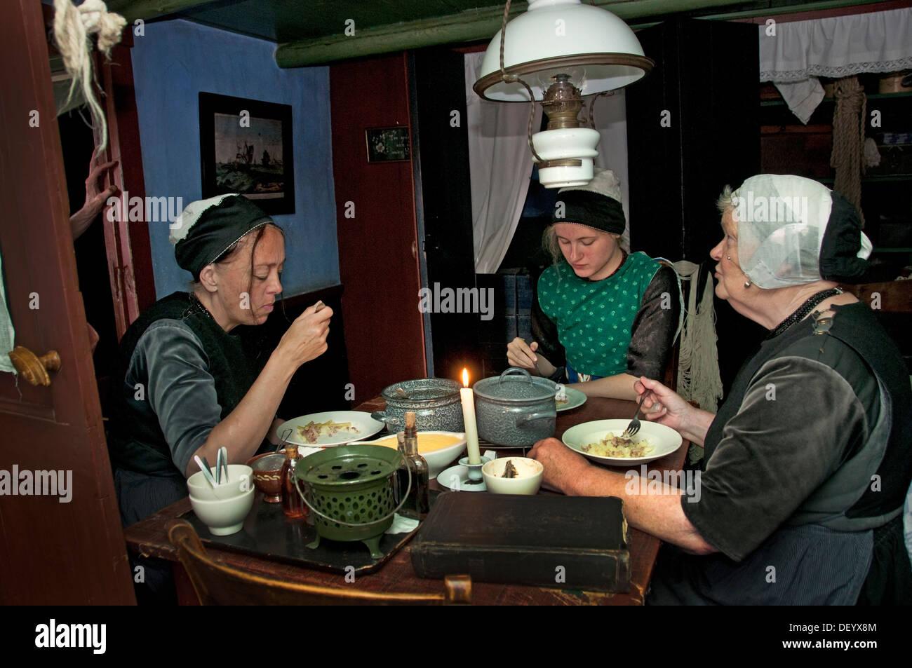 Guiño guiño a los comedores de patatas. 1885. Realismo Vincent van ...