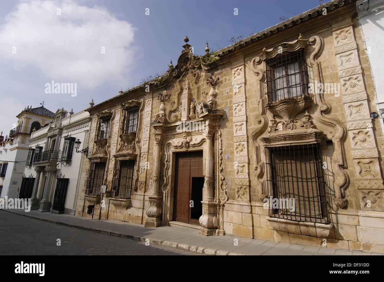 Fachada de la Cilla del Cabildo colegial. Osuna. Andalucia. España Imagen De Stock