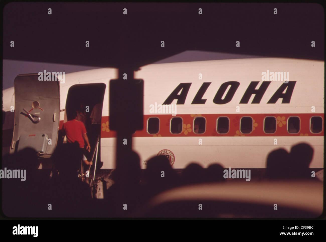ALOHA AIRLINES EN UNA DE LAS DOS PRINCIPALES LÍNEAS AÉREAS que conectan las islas. NO factible y rápido buque marítimo ha sido... 553959 Foto de stock