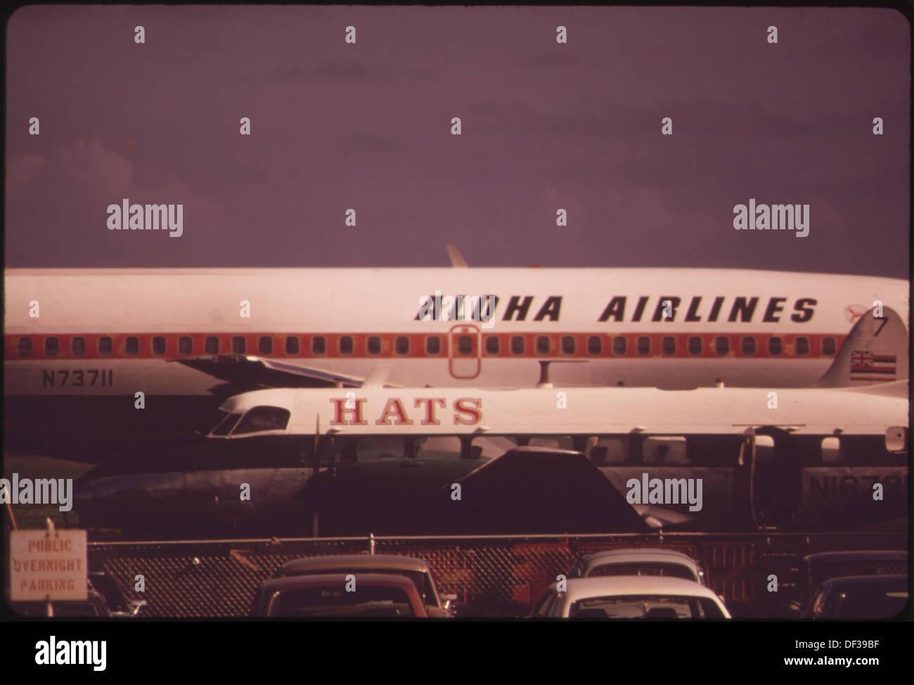ALOHA AIRLINES EN UNA DE LAS DOS PRINCIPALES LÍNEAS AÉREAS que conectan las islas. NO factible y rápido buque marítimo ha sido... 553961 Foto de stock