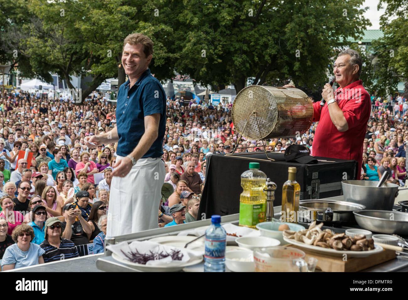 Chef Bobby Flay una demostración de cocina en la Gran Feria del ...