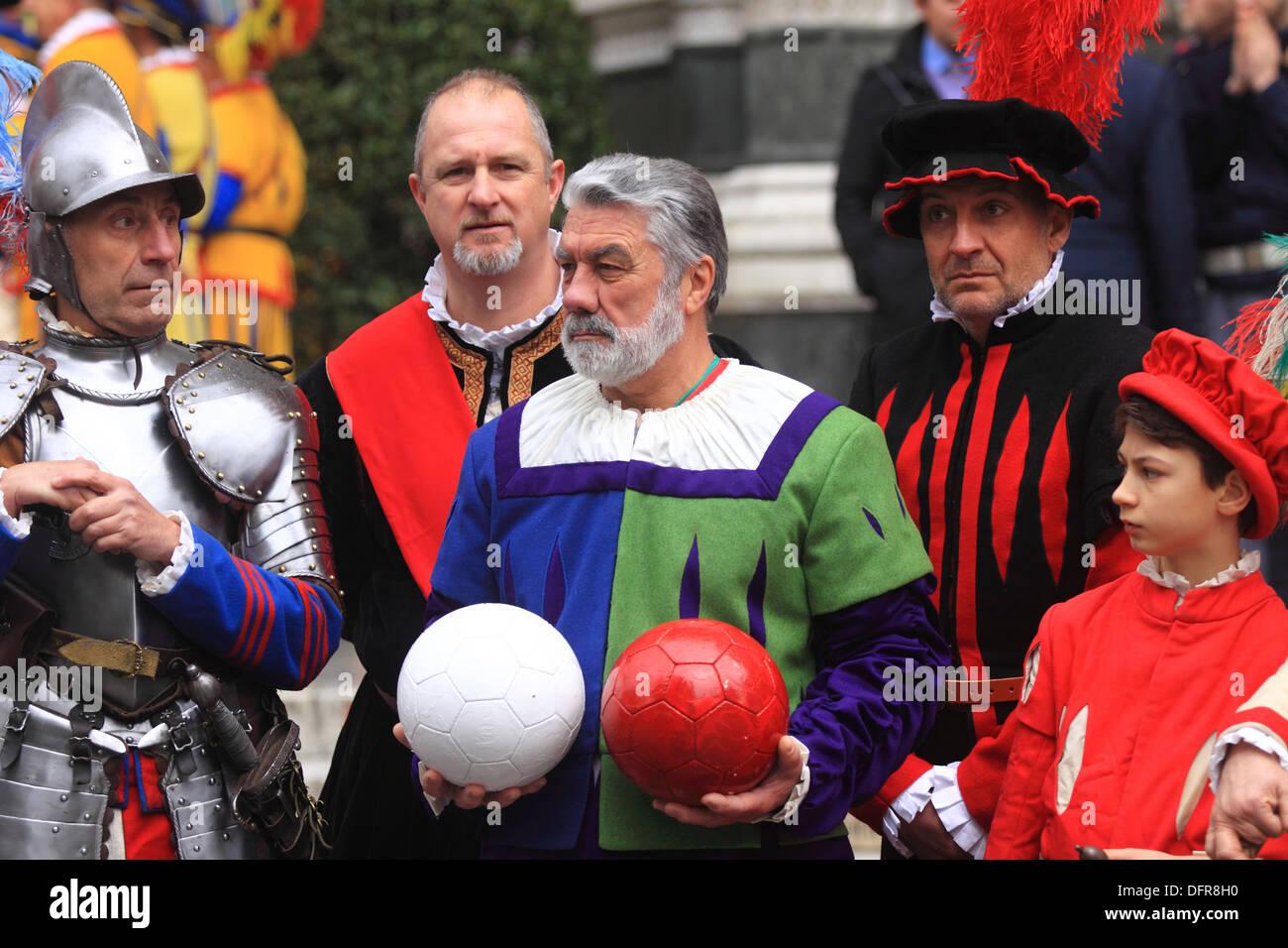 Italia Toscana Florencia El Estallido del Carro traje típico. Imagen De Stock