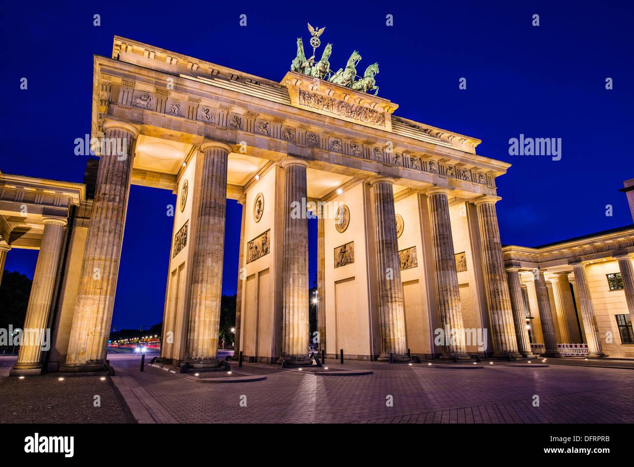Puerta de Brandenburgo en Berlín, Alemania. Puerta de Brandenburgo en Berlín, Alemania. Imagen De Stock