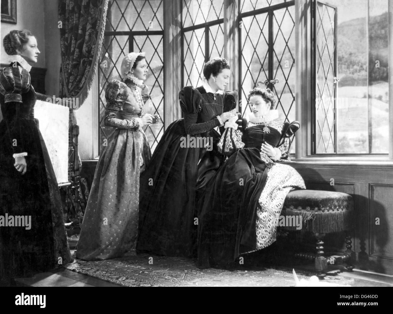María de Escocia de 1936 Radio Pictures Film con Katherine Hepburn a la derecha Imagen De Stock