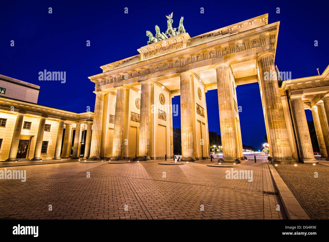 Puerta de Brandenburgo en Berlín, Alemania. Imagen De Stock