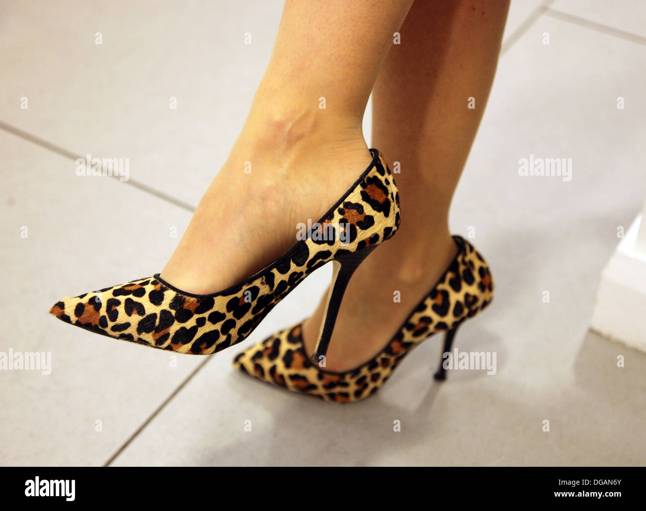Zapatos Foto De Stiletto Imitación Leopardo Piel Tacón PNwn0XO8kZ