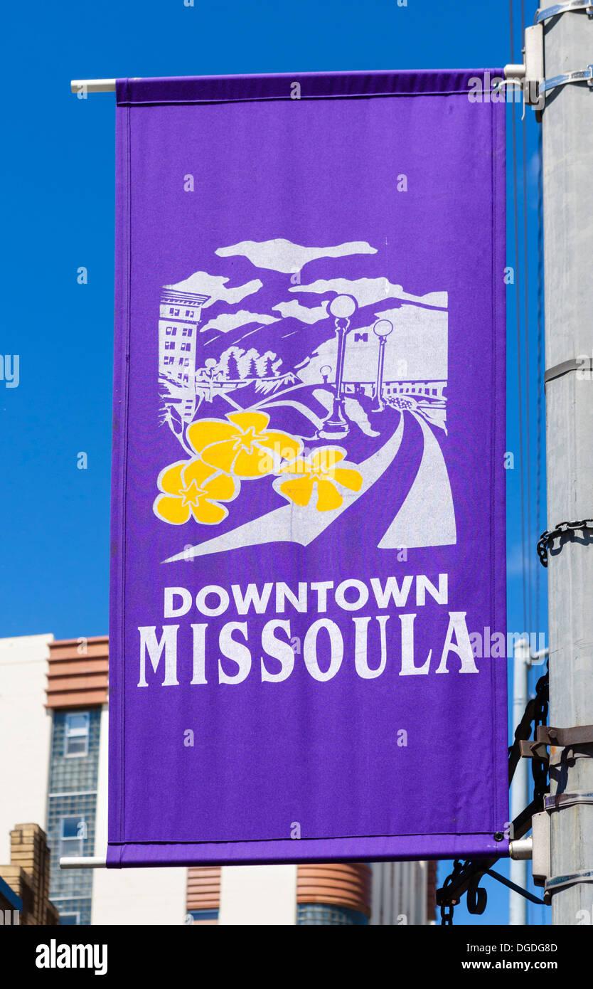 Banner en una farola en el centro histórico de Missoula, Montana, EE.UU. Imagen De Stock