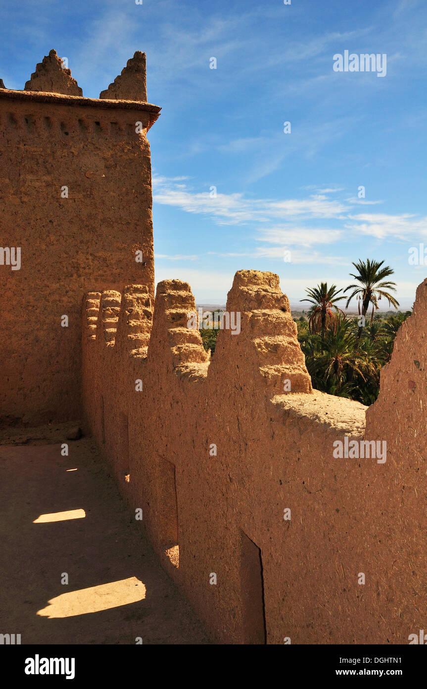 Ksar, arquitectura de adobe, Valle Draa, Marruecos, África Imagen De Stock