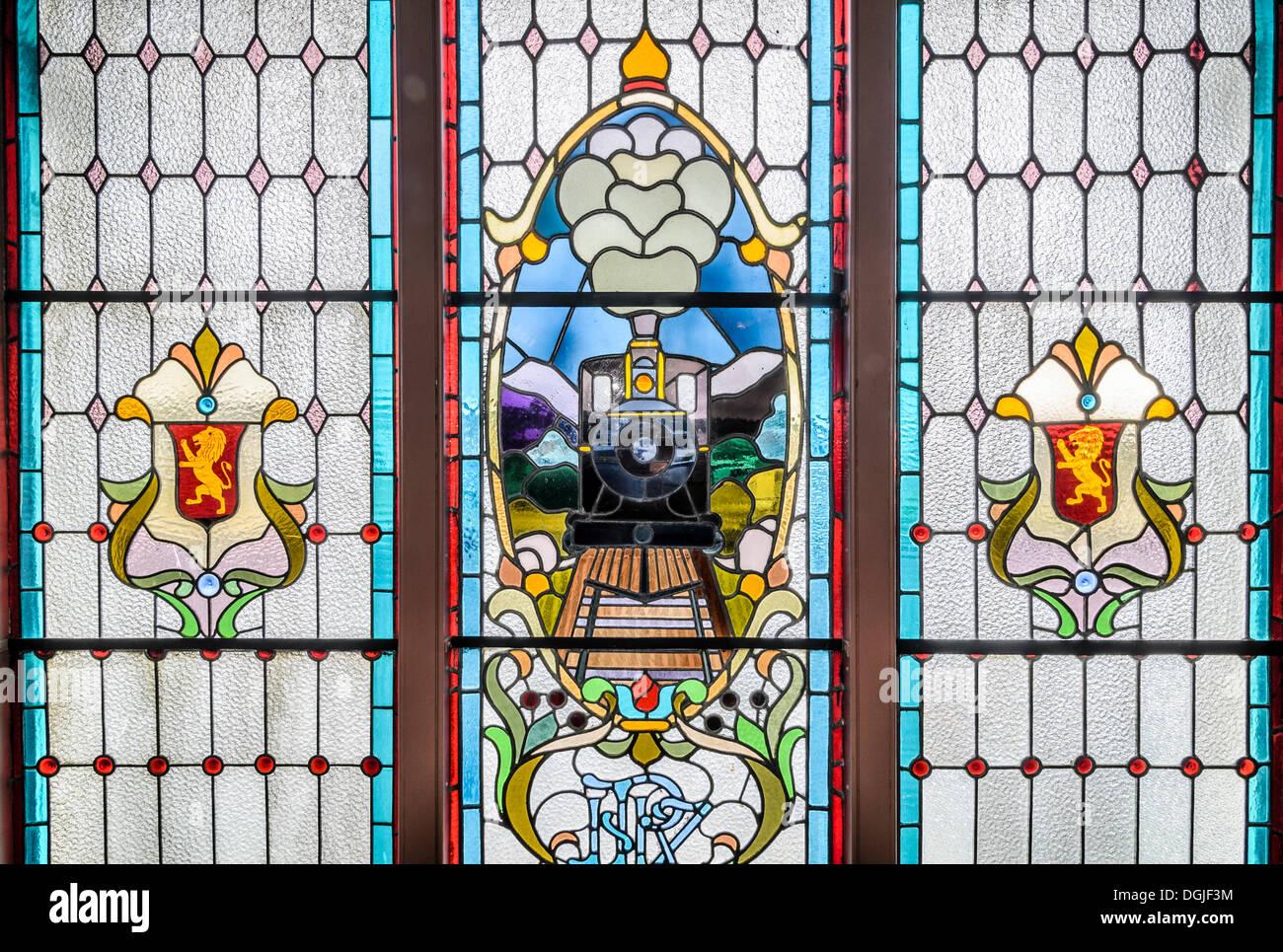 Los vitrales, la histórica estación de tren de Dunedin, Dunedin (Isla del Sur, Nueva Zelanda, Oceanía Imagen De Stock