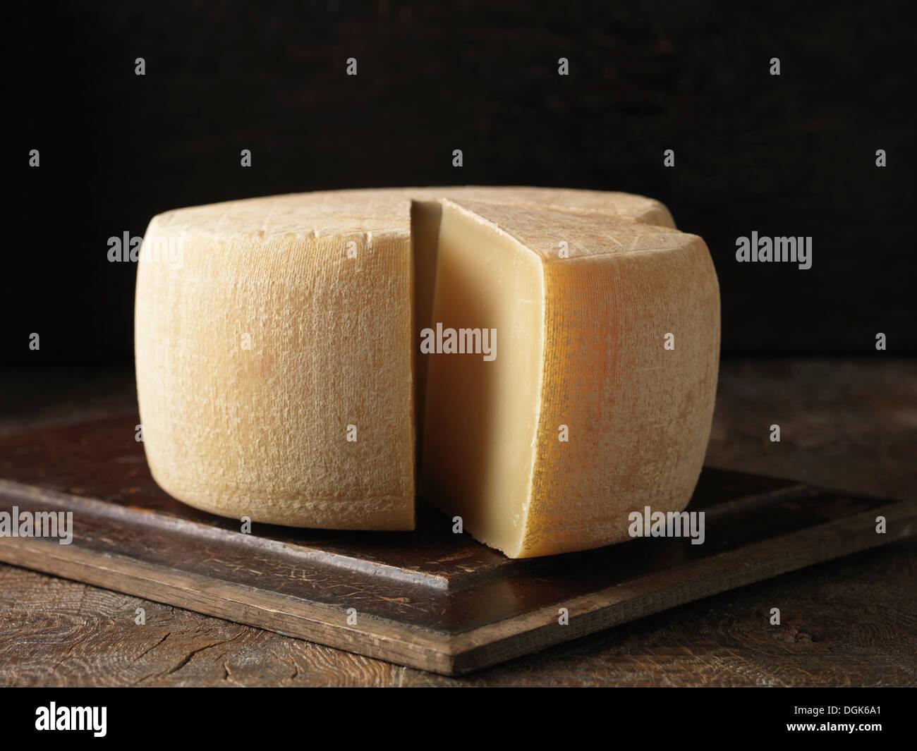 Bodegón con conjunto de Ossau Iraty queso Imagen De Stock