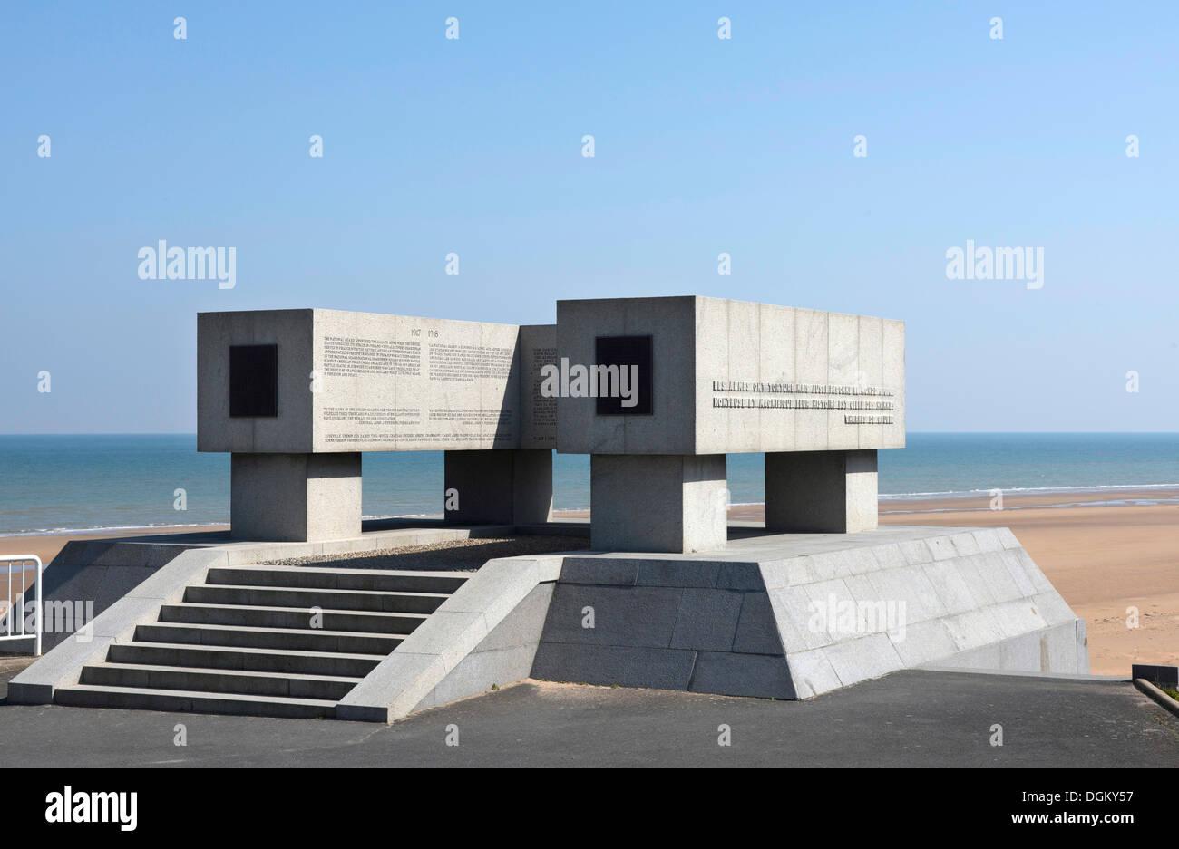 """Monumento a """"Omaha Beach"""" en honor de la Guardia Nacional de Estados Unidos, Vierville-sur-Mer, Normandía, Francia, Europa Imagen De Stock"""