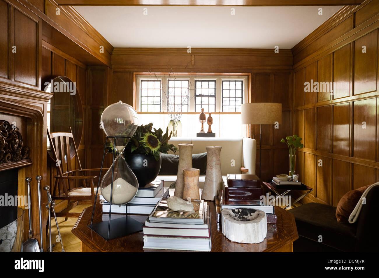 Impresionante panelado de madera original en Arts & Crafts home Imagen De Stock