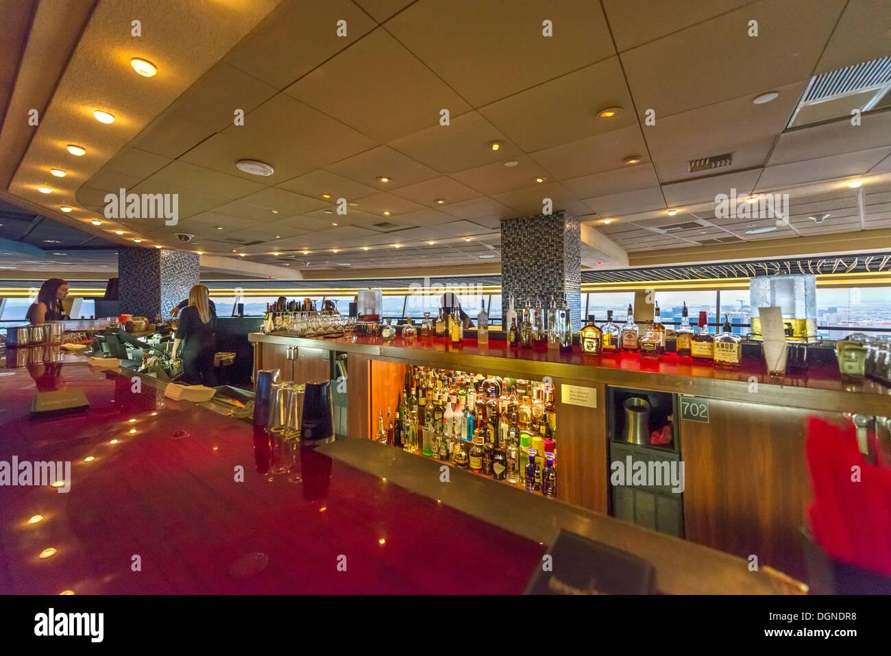 El nivel 107 Lounge en el hotel Stratosphere Tower, Las Vegas, Nevada. Imagen De Stock