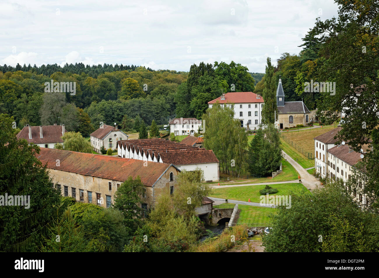 La Manufacture Royal des Bains, antiguamente la mayor fábrica de hojalata en Francia, Bains-les-Bains, Epinal, Lorena Imagen De Stock