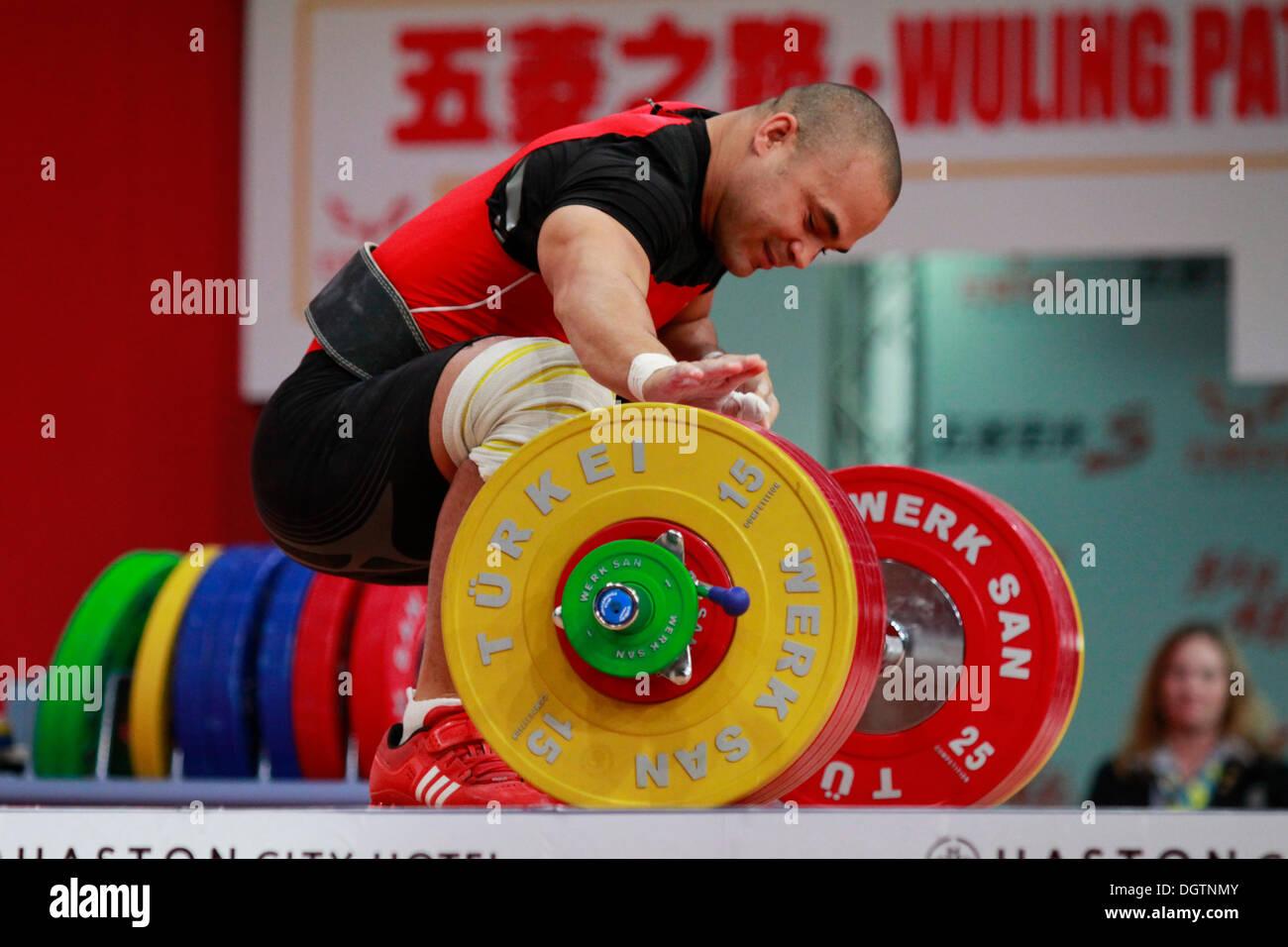 Wroclaw, Polonia. 25 Oct, 2013. Yoelmis Hernández (CUB) durante el hombre de 85 kg grupo A finales de 2013 Imagen De Stock