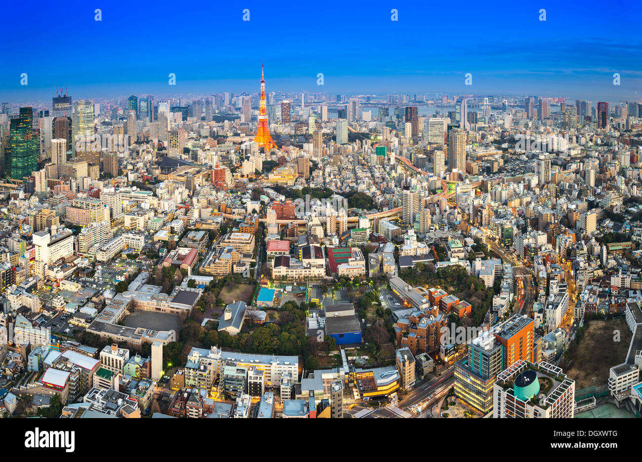 La Torre de Tokio en Tokio, Japón. Imagen De Stock