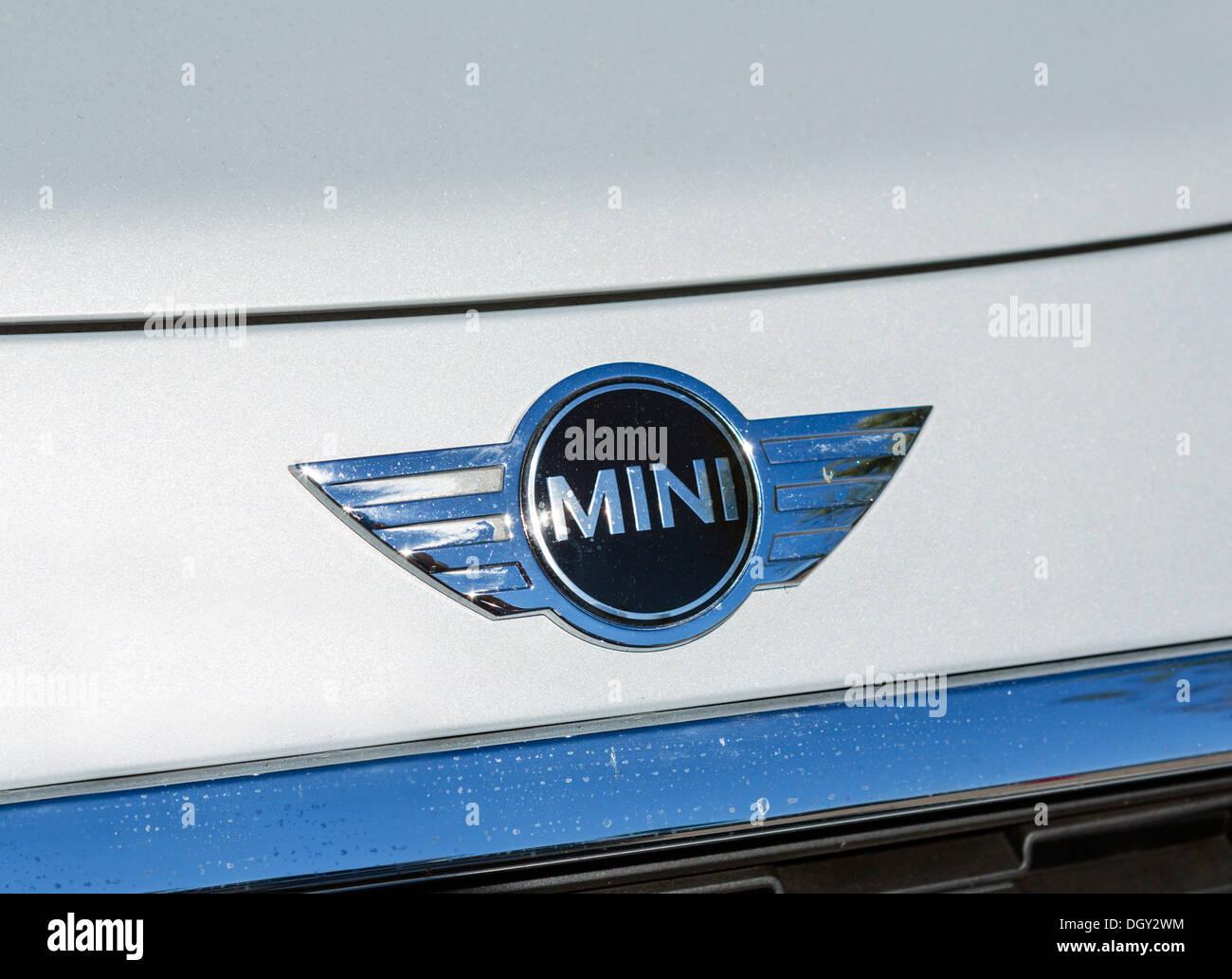 Placa de identificación de la parte frontal de un coche Mini Cooper, EE.UU. Imagen De Stock