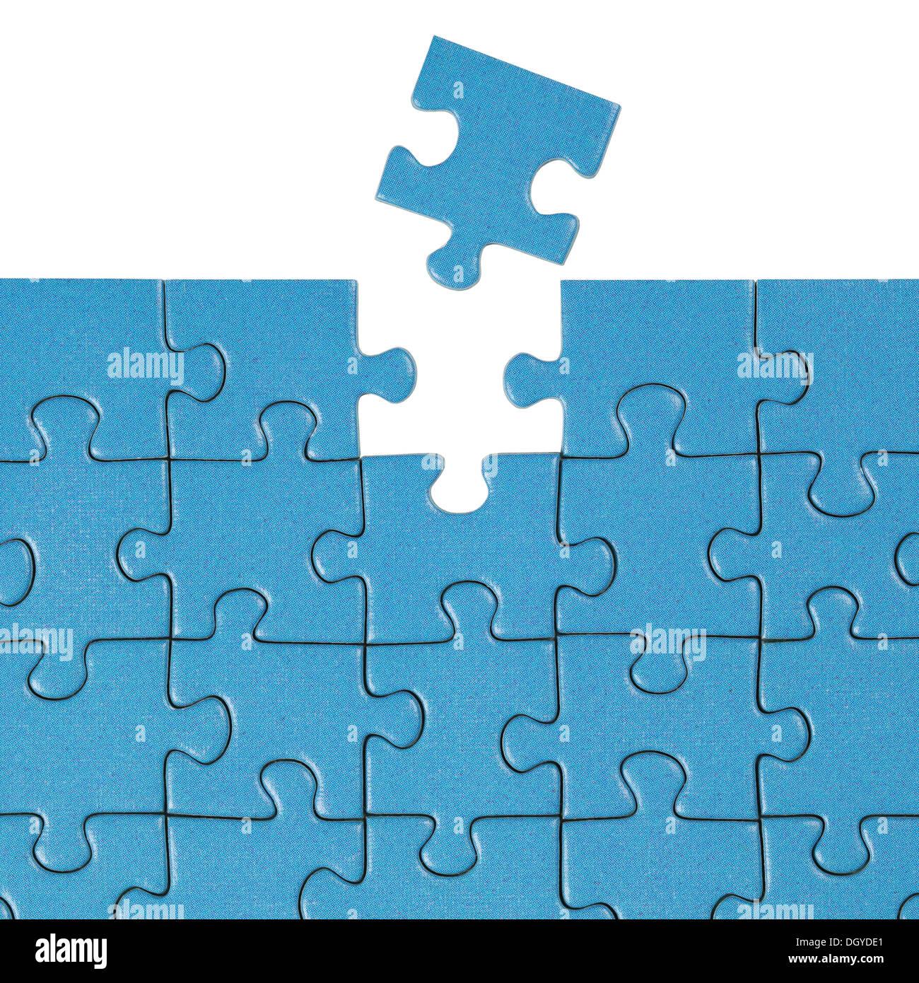 Concepto encontrar una solución para un problema con un puzzle Imagen De Stock
