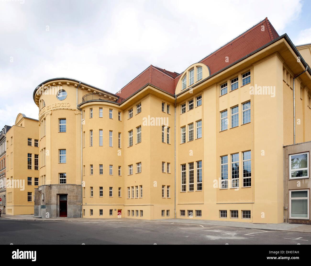 Sala de deportes en la calle Leplaystrasse, Leipzig, Sajonia, PublicGround Imagen De Stock