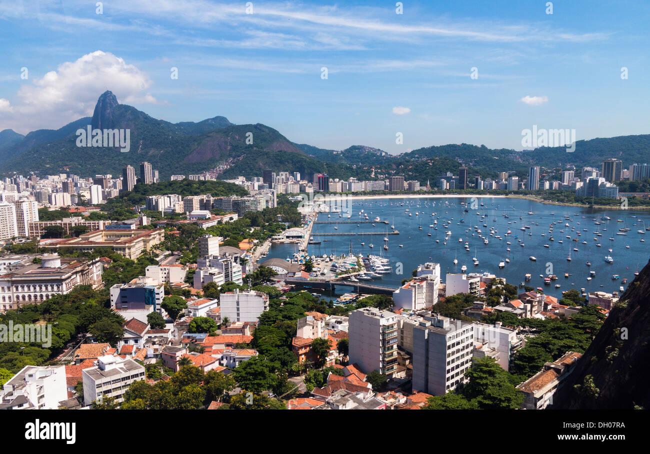 Río de Janeiro en Brasil desde el teleférico en Sugarloaf Mountain Imagen De Stock