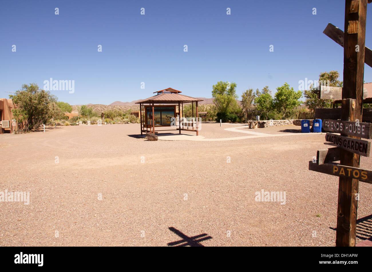 Centro de Visitantes el Bosque del Apache National Wildlife preserve nm new mexico refugio socorro condado servicio de pescado Foto de stock