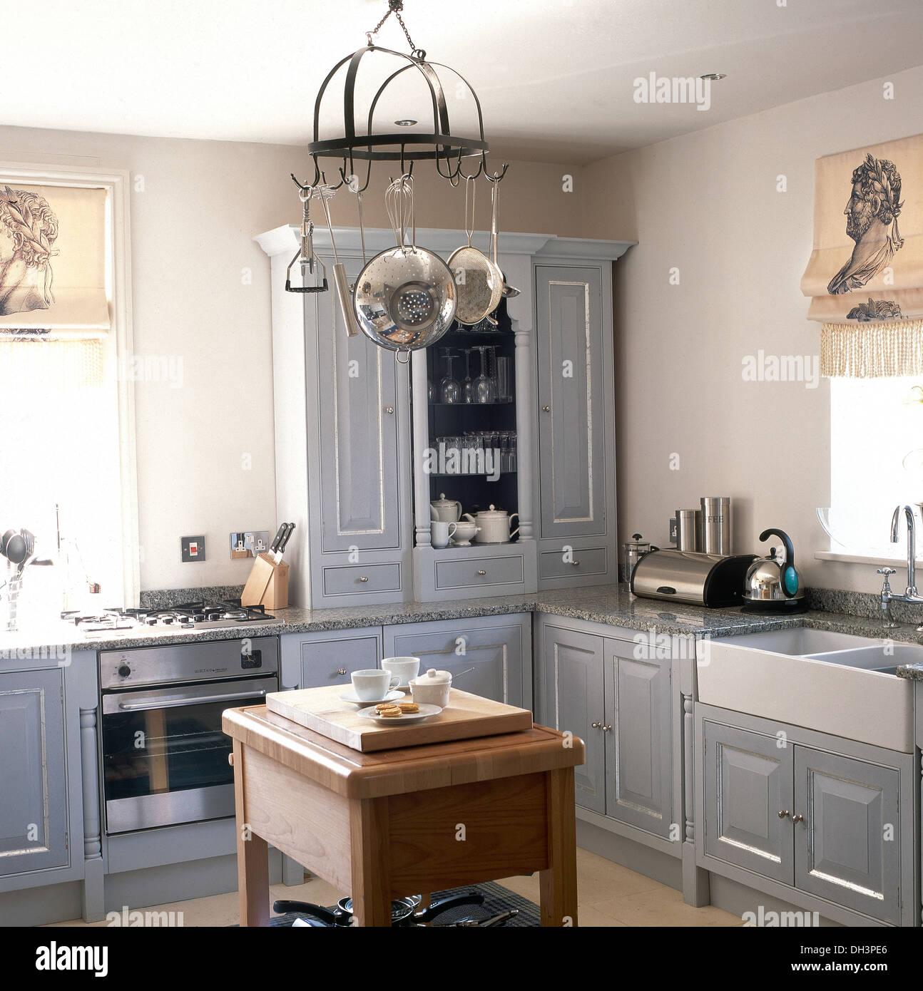 Excepcional Armario De La Cocina Pintores Belfast Colección de ...
