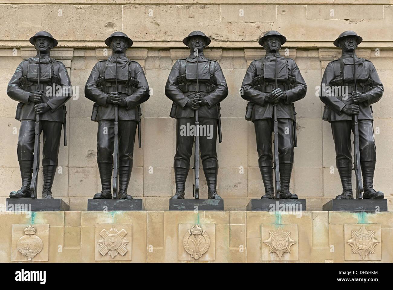 Los guardias Memorial, Desfile de guardias a caballo, Londres, Reino Unido. La Primera Guerra Mundial Monumento a los caídos de la División de guardias. Imagen De Stock