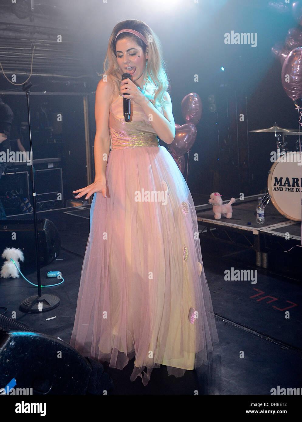 Marina Diamandis Marina Diamonds Performs Imágenes De Stock & Marina ...
