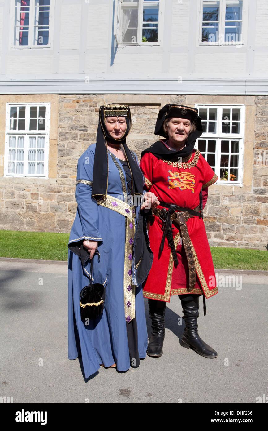 850 años de celebración, trajes históricos, monasterio cisterciense Loccum, Baja Sajonia, Alemania Imagen De Stock