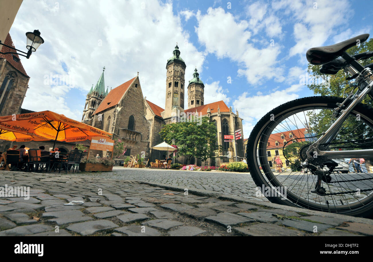 Plaza de la catedral de San Pedro y san Pablo, Naumburg, Sajonia-Anhalt, Alemania, Europa Imagen De Stock