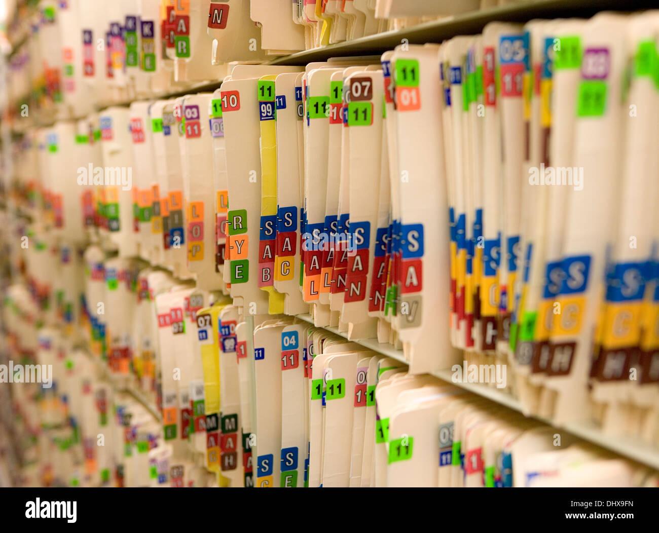 Archivos médicos en un consultorio médico Imagen De Stock