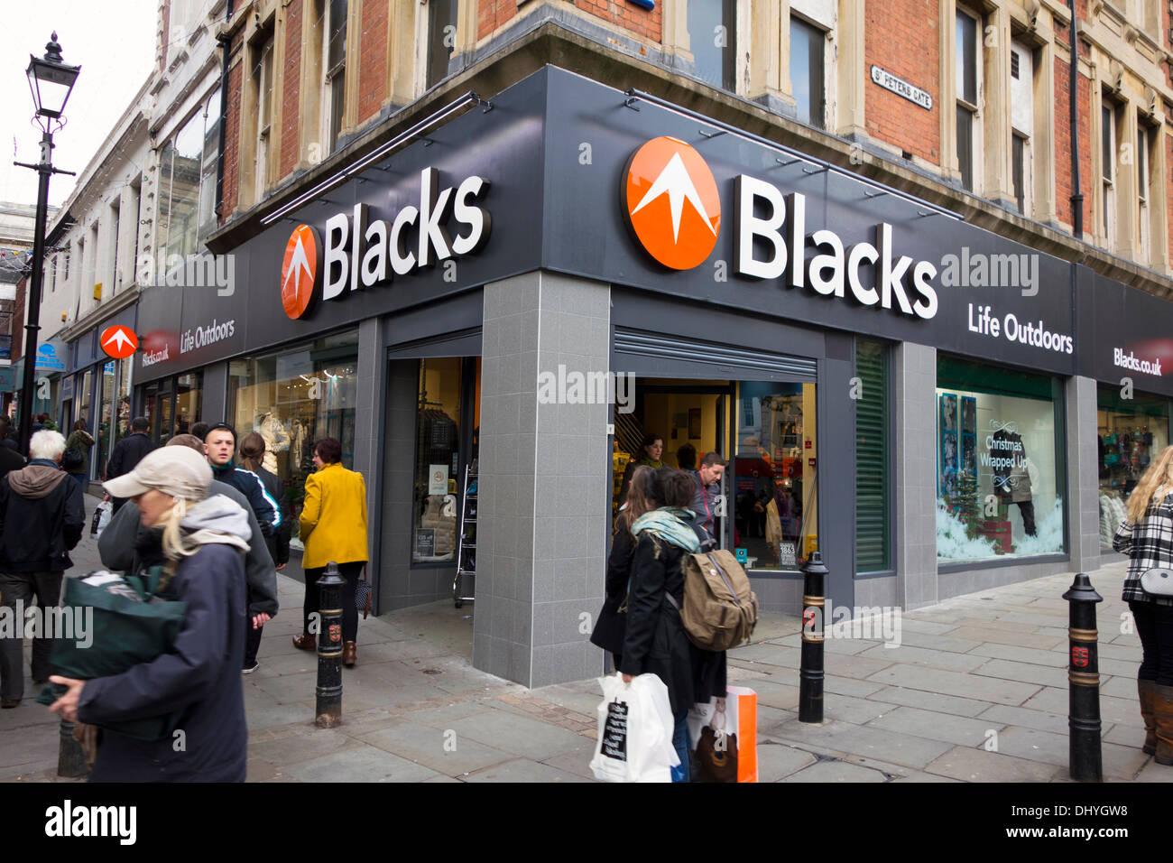 Un negros camping al aire libre y tienda de ropa en Nottingham, Reino Unido. Imagen De Stock