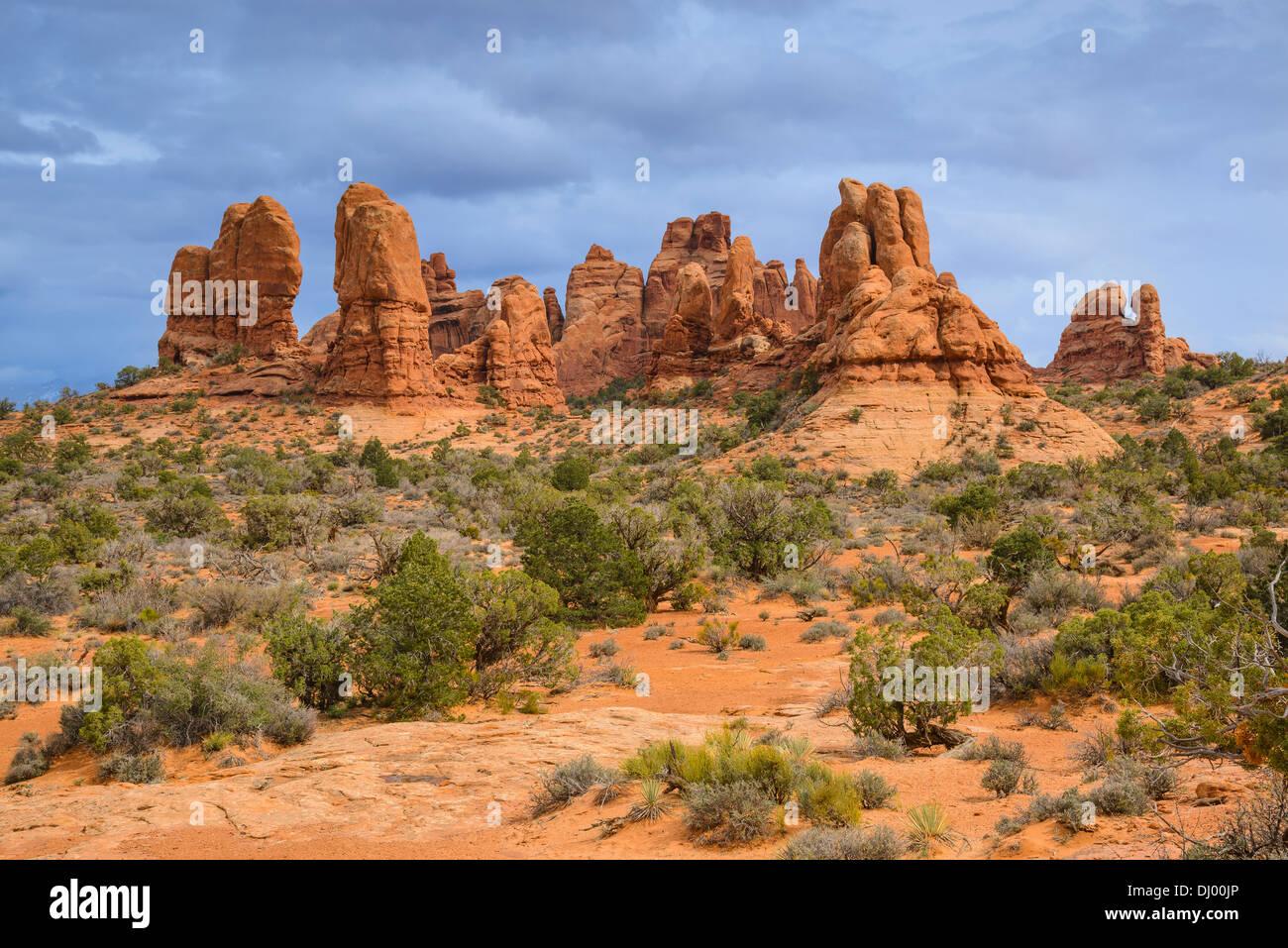 Formaciones rocosas cerca de la sección Windows, Parque Nacional Arches, en Utah, EE.UU. Imagen De Stock