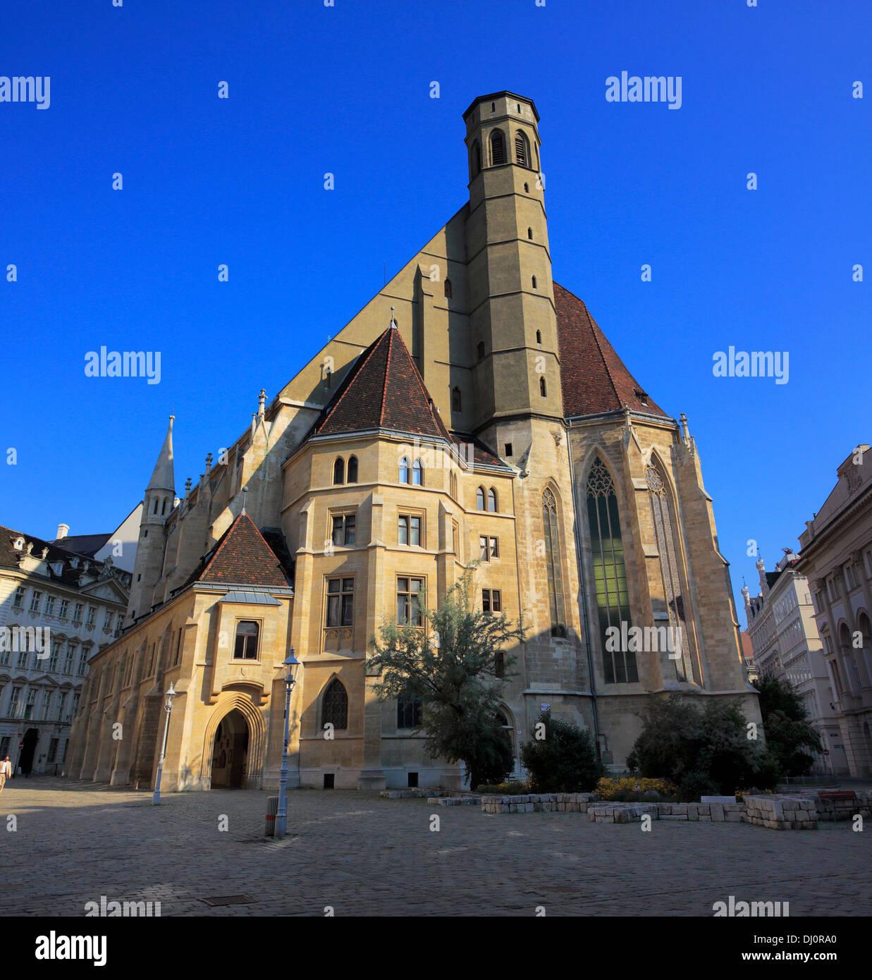 Minoritenkirche (Minorías), la Iglesia (1350), Viena, Austria Imagen De Stock