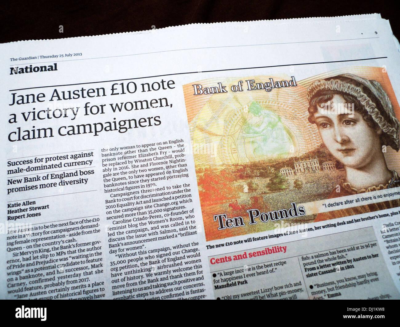 """""""Jane Austen £10 nota una victoria para las mujeres, afirman los activistas' notas bancarias feminismo artículo en el periódico The Guardian 2013 Londres, Inglaterra Imagen De Stock"""