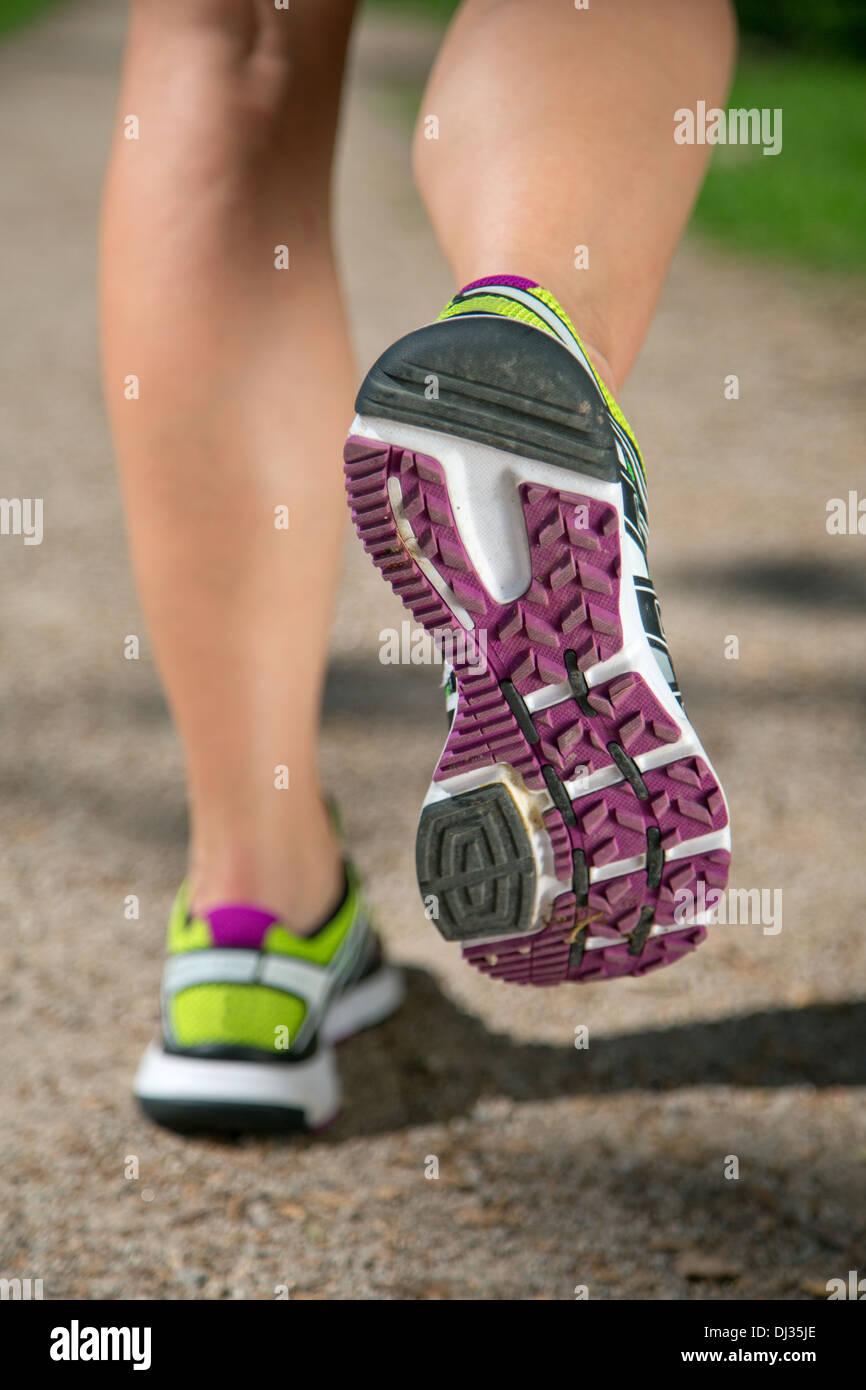 Zapatos para correr trotar, deportes, formación o entrenar Imagen De Stock